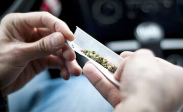 Young drivers who use cannabis at higher risk of collisions for at least 5 hours - study